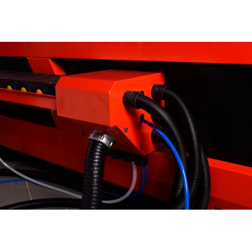 Лазерный станок Raylogic Fiber 1530 LUXE IPG1000