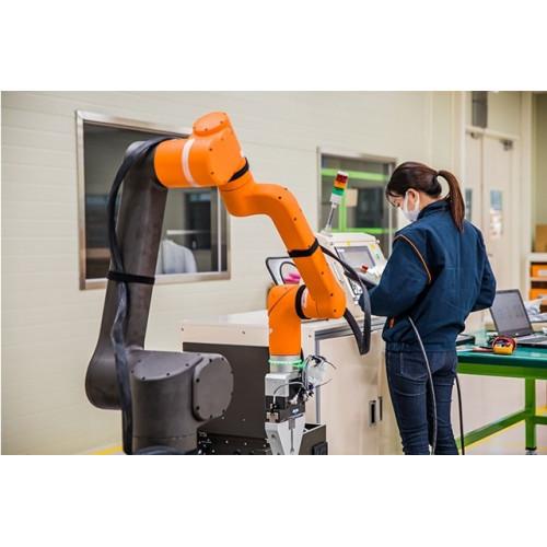Коллаборативный робот Hanwha HCR-12A