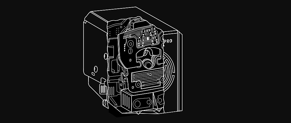 В Picaso Designer X Pro экструдеры устанавливаются под небольшим углом, сопло неактивного экструдера при этом прикрывается стальной пластиной