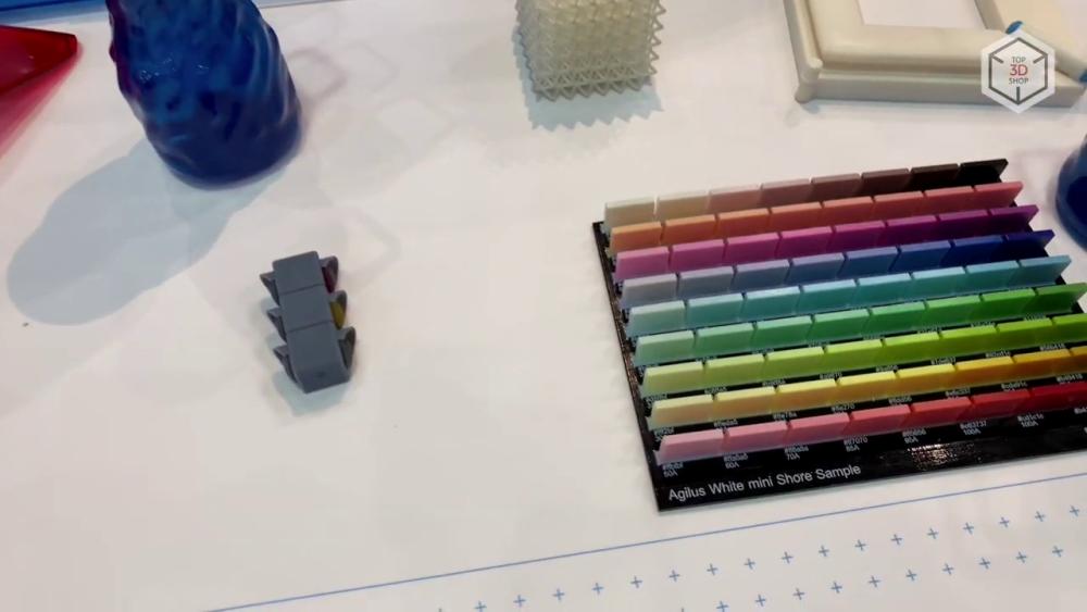 Современные модели 3D-принтеров PolyJet поддерживают до 500 000 цветов и оттенков