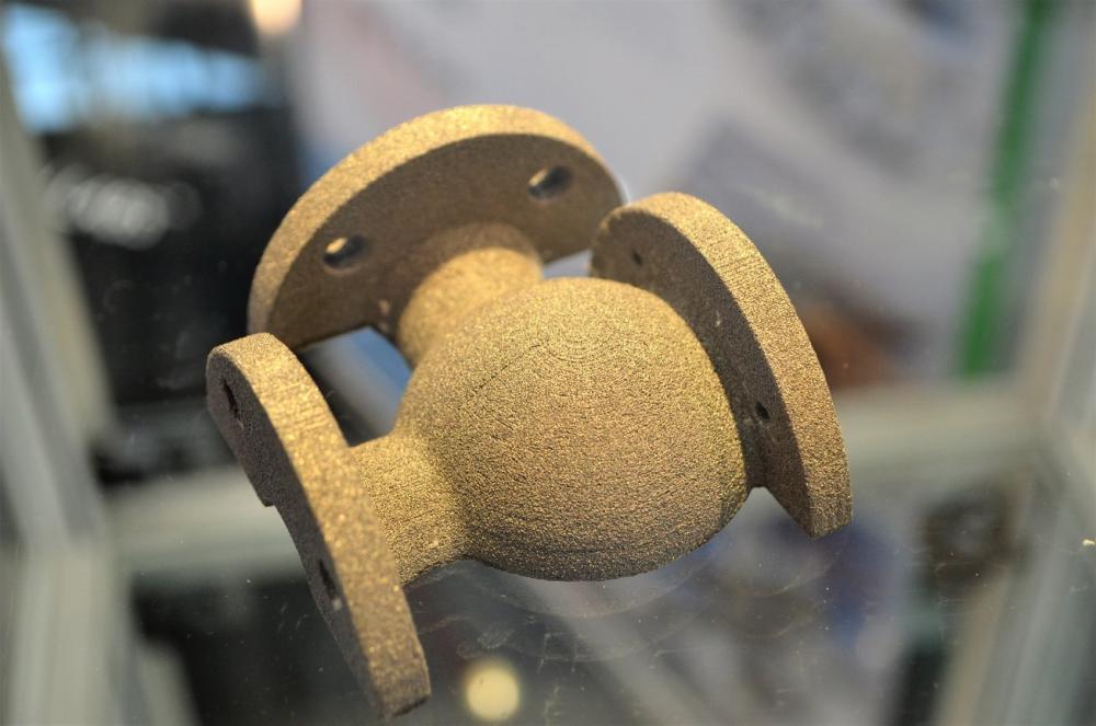 Деталь трубопровода напечатанная S-Titanium Pro