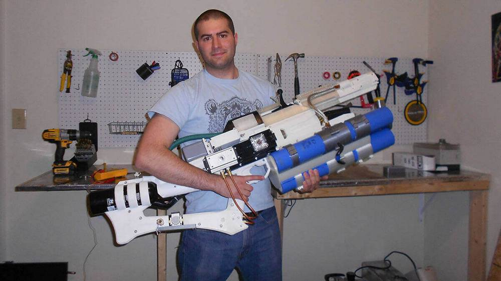 Featured image of Handheld Railgun Created with Arduino and a 3D Printer