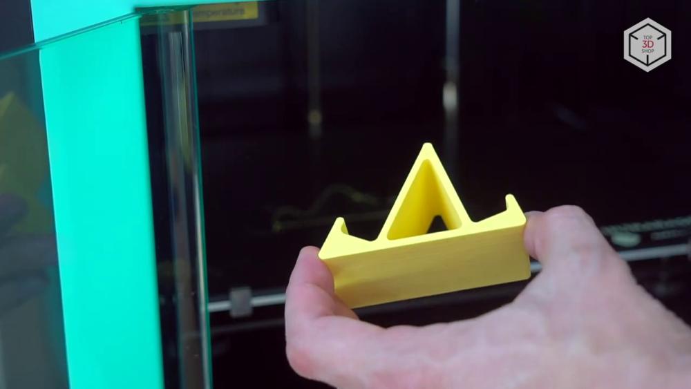 принтер несложен в эксплуатации, стабильно и качественно печатает