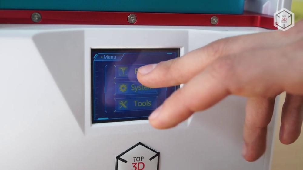 Во втором поколении «Фотонов» для управления принтером используется обновленный сенсорный дисплей
