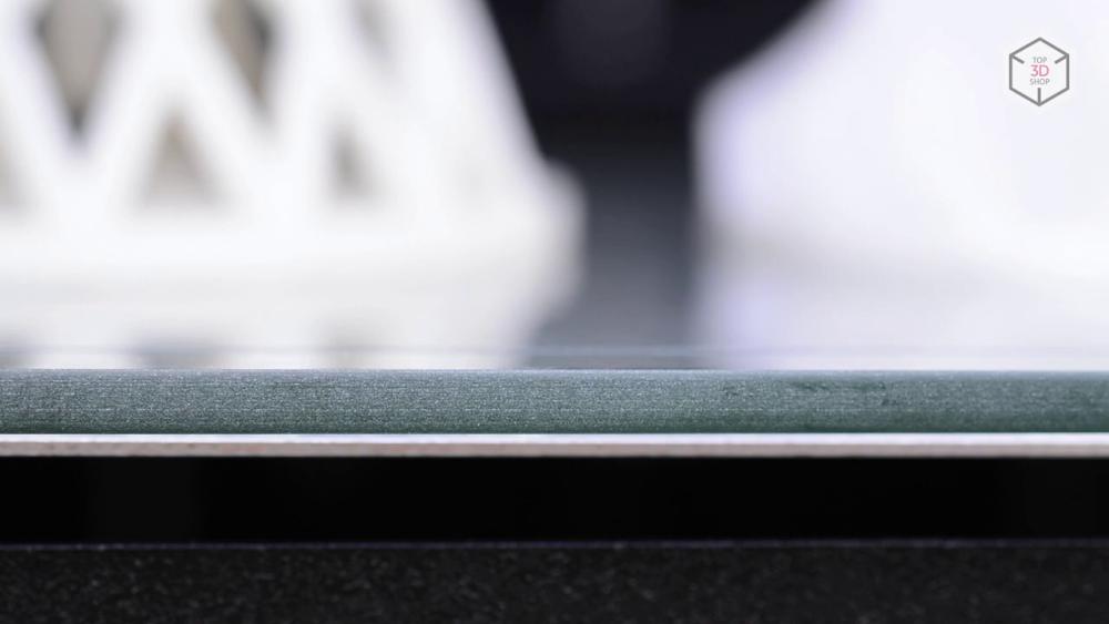 Zenit оснащен подогреваемым двухкомпонентным столом