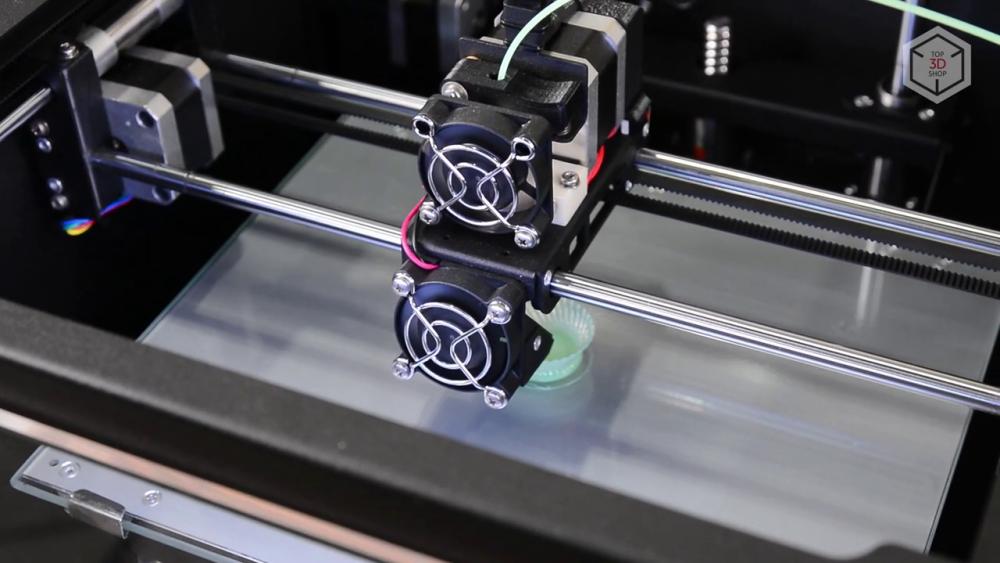 FDM-принтер Zenit требует минимальных приготовлений к работе