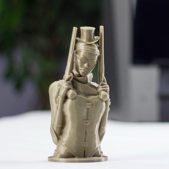 фигурка девушки сделанная принтером Picaso Designer X
