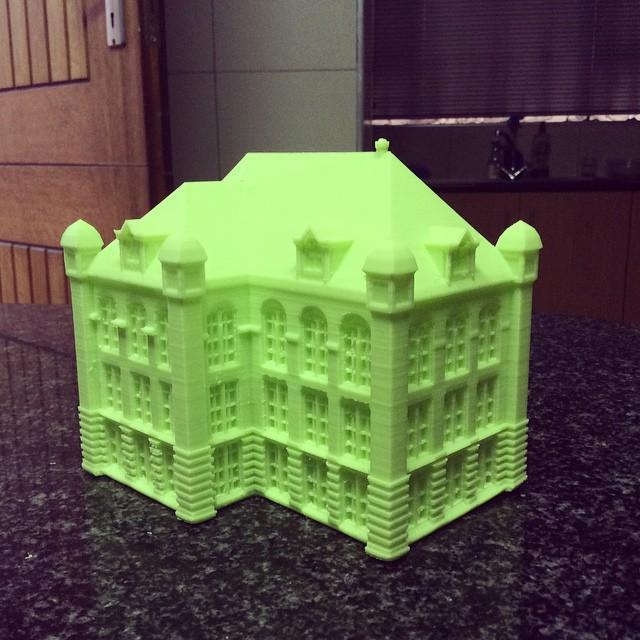 Большой игрушечный дом, созданный принтером Wanhao Duplicator 4S