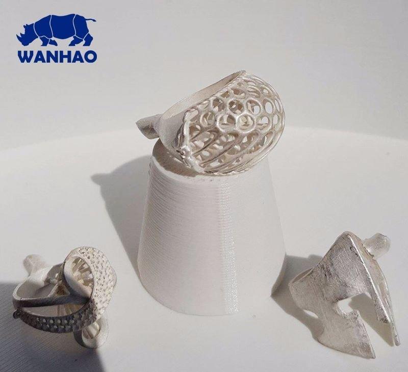 4 детали разной формы, которые были изготовлены 3D принтером Wanhao