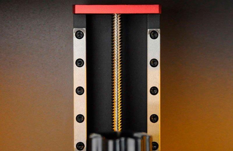 рельсовые направляющие у принтера Ванхао GR1